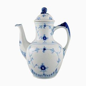 Cafetera azul estriada modelo 413 de Bing & Grøndahl, mediados del siglo XX