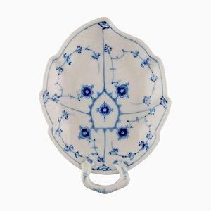 Bol en Forme de Feuille Bleu Cannelé Modèle 356 de Bing & Grøndahl