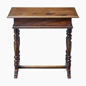 Mesa auxiliar rústica de nogal, siglo XVIII