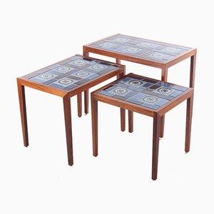 Mesas nido danesas vintage de palisandro con tablero de cerámica, años 60. Juego de 3