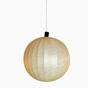 Kugelförmige Lampe in Kokon
