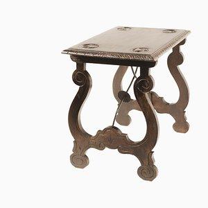 Mesa auxiliar española estilo barroco con patas de lira