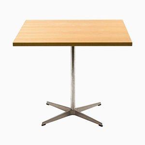 Shaker Table by Arne Jacobsen