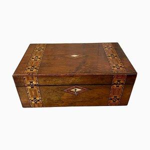 Caja de escritura victoriana antigua de madera nudosa de nogal