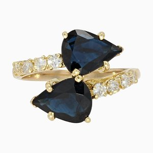 Anillo You and Me moderno de zafiro talla pera, diamantes y oro amarillo de 18 kt