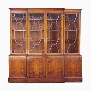 Librería de madera de tejo con estantes ajustables