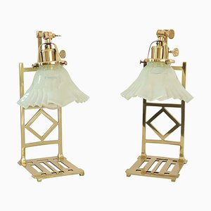 Lampade da tavolo Jugendstil in ottone con paralumi in vetro opalino, set di 2