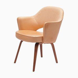 Butaca de conferencia vintage de cuero con patas de madera de Eero Saarinen para De Coene