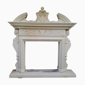 Chimenea italiana de piedra estilo neoclásico