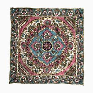 Mantel armenio bordado a mano
