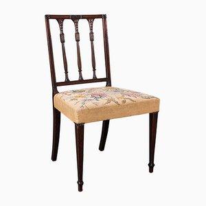 Bestickte Englische Sheraton Esszimmerstühle, 1780er, 4er Set