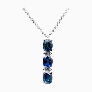 Halskette mit Anhänger aus Blauem Saphir, Diamanten und 18 Karat Weißgold