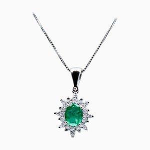 Halskette mit Anhänger aus Smaragd, Diamanten und 18 Karat Weißgold