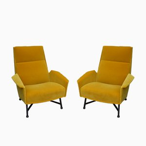 Armlehnstühle von Claude Vassale in Orangegelbem Samt, 1950er, 2er Set