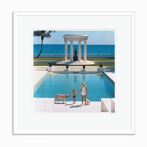 Slim Aarons, Pool in Villa Artemis, Palm Beach, Druck auf Fotopapier, gerahmt