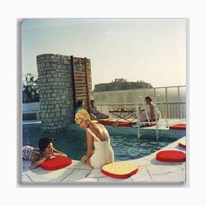 Slim Aarons, Penthouse Pool, Druck auf Fotopapier, gerahmt