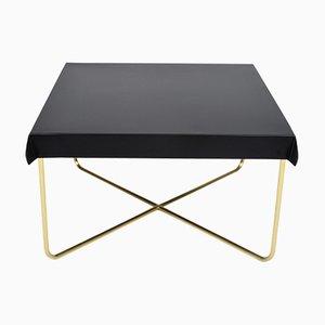 Tavolino da caffè drappeggiato di Debra Folz Design