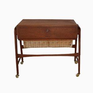 Mesa de costura danesa de teca y ratán, años 50