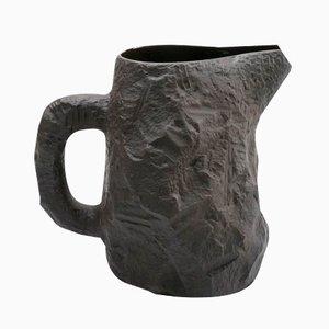 Carafe Noire en Basalte de the Crockery Series par Max Lamb pour 1882 Ltd