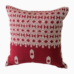 Almohada decorativa Edo en rojo y blanco de Nzuri Textiles