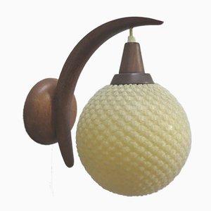 Lámpara de pared danesa Mid-Century de teca y plástico