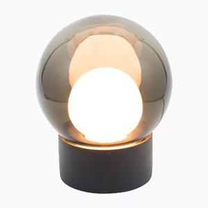 Lampada Small Boule in vetro opalino bianco e grigio con base nera di Sebastian Herkner per Pulpo & Rosenthal