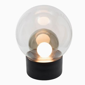 Lampada da terra Medium Boule in vetro grigio fumo e bianco con base nera di Sebastian Herkner per Pulpo & Rosenthal