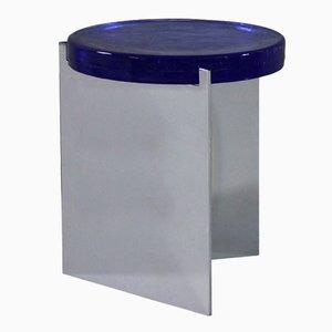 Alwa en plateado con una superficie de cristal azul de Sebastian Herkner para Pulpo
