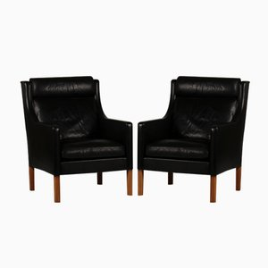 Danish 2431 Black Leather and Oak Wing Chairs by Børge Mogensen for Fredericia Furniture, 1970s, Set of 2