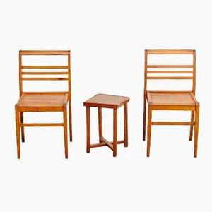 Französische Stühle und Beistelltisch aus Eichenholz von Rene Gabriel, 1940er