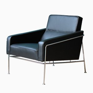 Model 3300 Lounge Chair by Arne Jacobsen for Fritz Hansen