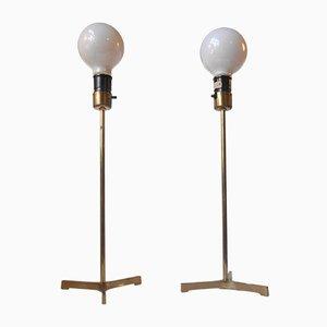 Lámparas de mesa trípodes escandinavas modernas de latón con bombillas gigantes, años 60. Juego de 2