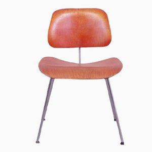 Sedia da pranzo in anilina rossa DCM di Charles & Ray Eames per Herman Miller