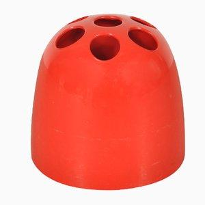 Portaombrelli in plastica rossa di Emma Gismondi Schweinberger per Artemide