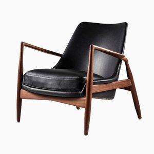 Sedia in pelle nera di Ib Kofod-Larsen per OPE Möbler