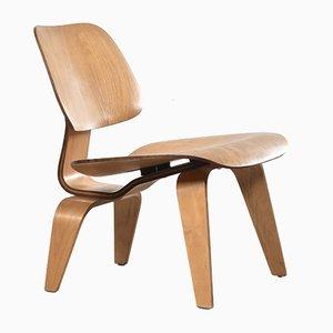 Amerikanischer LCW Sessel aus Eiche von Charles & Ray Eames für Herman Miller, 1950er