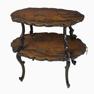 Lackierter Antiker Französischer Tisch mit zwei Ebenen