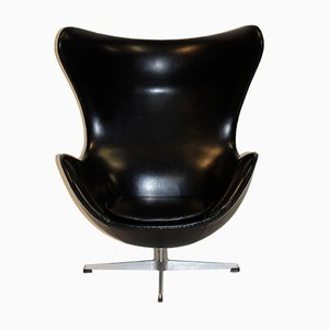Egg chair in vinile di Arne Jacobsen per Fritz Hansen, 1961