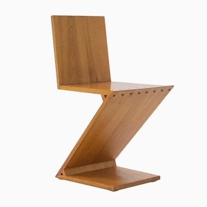 Sedia Zig Zag di Gerrit Rietveld, 1969
