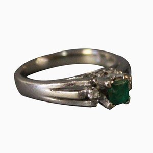 14k White Gold Ring with Emeralds Surrounded by 2 Small Diamonds