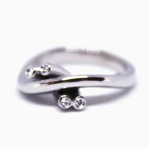 14kt White Gold Ring Deorated with 4 Diamonds from P.Bo