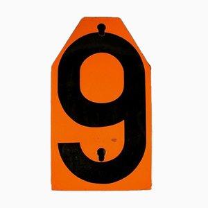 Señal vintage de metal con el número 9, años 50