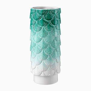 Vaso Plumage bianco e verde decorato a mano di Cristina Celestino per BottegaNove