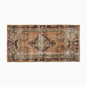 Braun Eingefärbter Türkischer Vintage Teppich