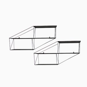 Estanterías arquitectónicas francesas de metal perforado. Años 50. Juego de 2