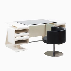 Italian Postmodern White Desk and Chair, 1970s