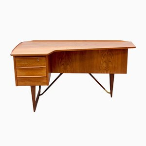 Teak Boomerang Desk by Peter Løvig Nielsen for Hedensted Møbelfabrik, 1950s