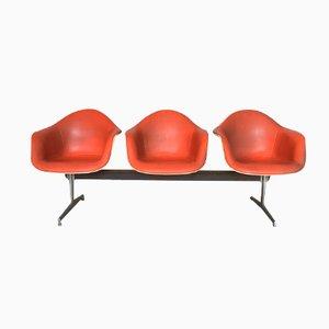 Banco Mid-Century de fibra de vidrio y cuero sintético de Charles & Ray Eames para Herman Miller