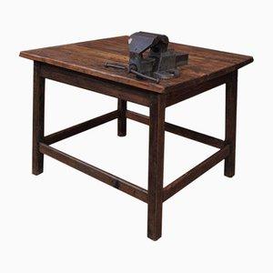 Tavolo industriale in legno di abete con morsa, anni '30