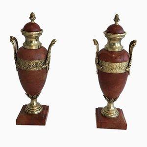 Urnas de mármol y bronce en rojo, década de 1880. Juego de 2